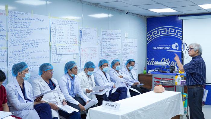 Một khóa đào tạo liên tục tại bệnh viện thẩm mỹ Gangwhoo