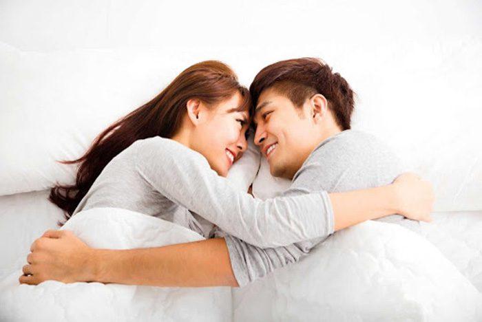 Sau khi nâng ngực nên kiêng quan hệ vợ chồng