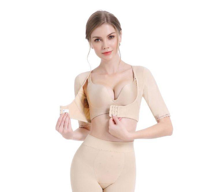 Mặc áo định hình còn có vai trò giúp làm giảm những cơn đau nhức, sưng tấy sau nâng ngực