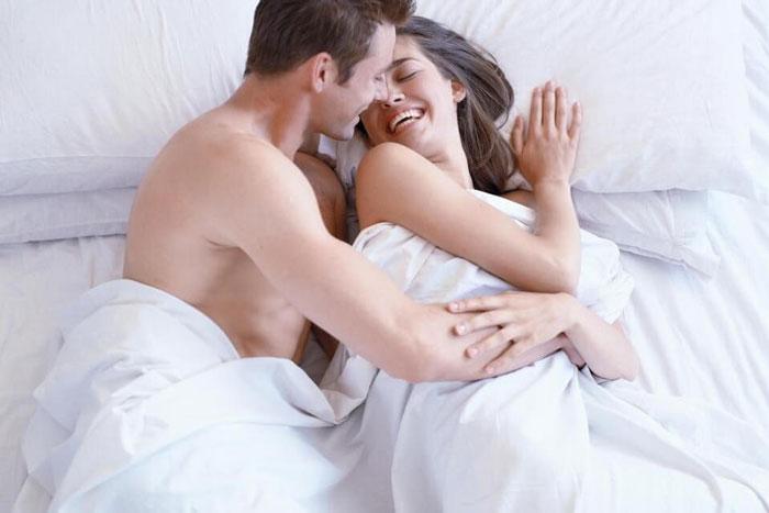 Kiêng quan hệ vợ chồng sau khi nâng mũi