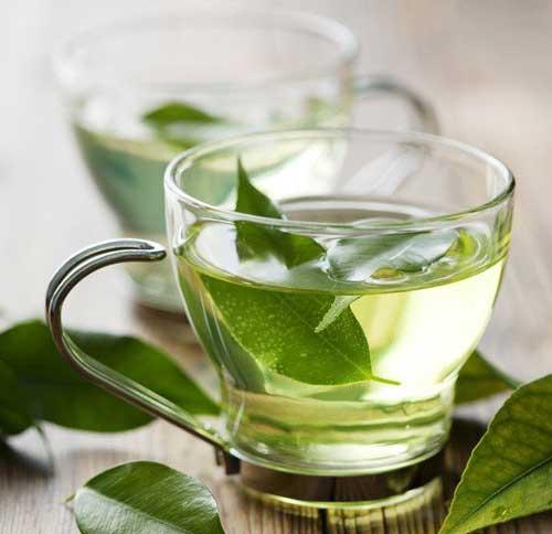 Treat acne with fresh green tea