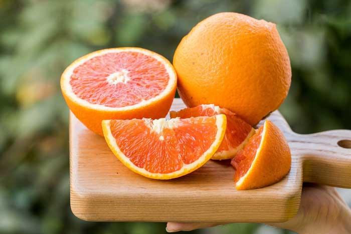 Mặt nạ trị mụn với cam tươi và sữa chua
