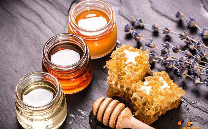 Cách trị mụn trứng cá bằng mật ong nguyên chất