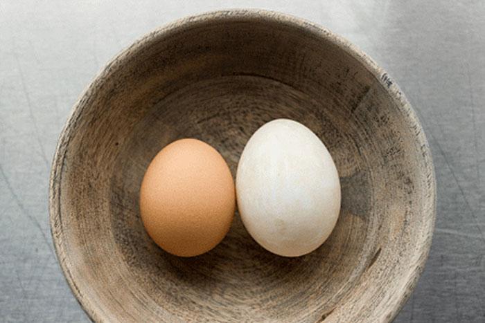 Cách trị mụn trứng cá bằng trứng gà